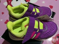 Brand new size 11 girl's running shoes Markham, L6C
