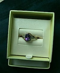 Size 8 women's ring with box Henderson, 38340
