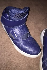 Nike Size 9.5 Barboursville, 22923