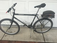 black and gray road bike Elmhurst, 60126