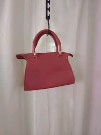 Purse with extra detachable strap