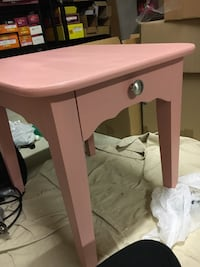 Pink end table Falls Church, 22046