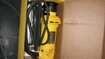 Dewalt  cut drywall