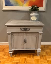 Side/nightstand cabinet Mississauga, L4W 2G3