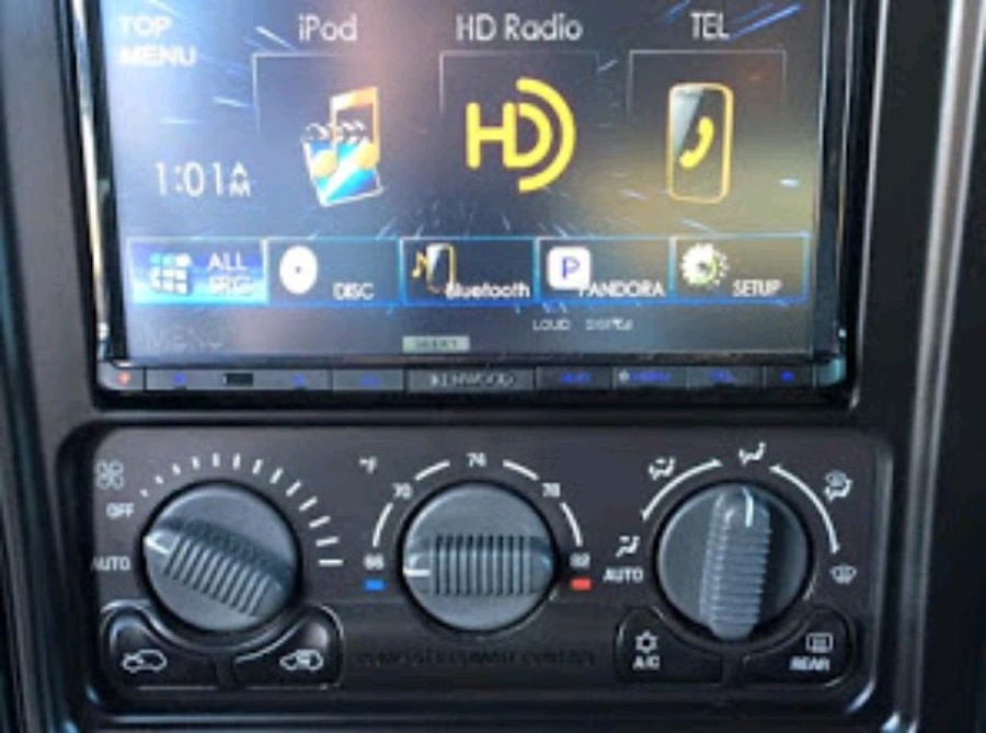 Photo Car Stereo Installation
