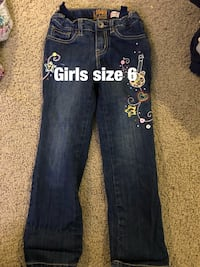 Girls size 6 jeans never worn. Paid 25 for these  Jacksonville, 28546