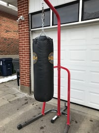 Heavy bag and stand Toronto, M9A 1K7