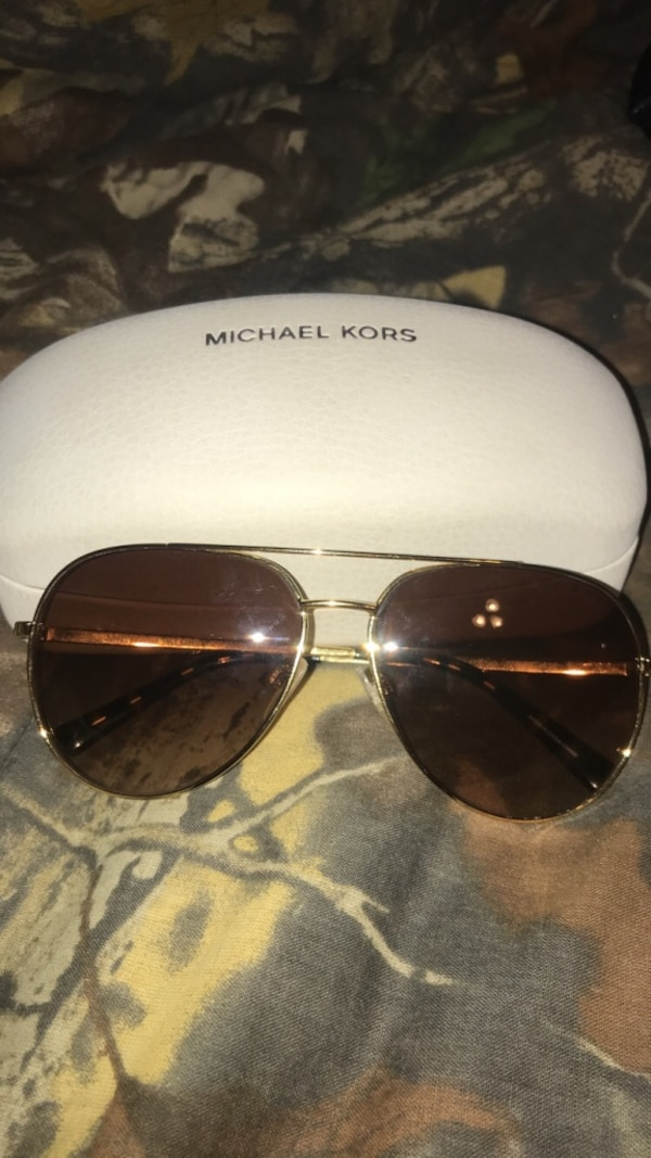 0f0cd98d1b Used gold frame Michael Kors aviator style sunglasses with case for sale in Broken  Arrow - letgo