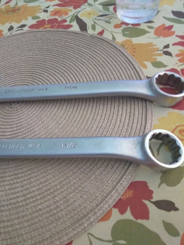 """Challenger combination wrench 1 1/4"""" and 1 2/8"""" 843bc3f7-1839-48ba-92c7-f6caf8f22cf4"""