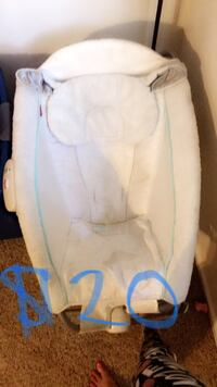 baby's white and blue bouncer Bakersfield, 93308