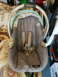 baby's gray and black car seat carrier Vaughan, L4H 3N5
