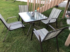 Patio table and 4 chairs!