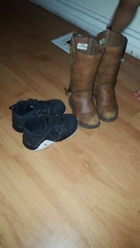 pair of black leather boots Toronto, M1P 2X9