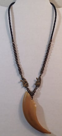 "23"" Old Tribal Bone Claw Metal  Figural Leather Necklace Madison, 53704"