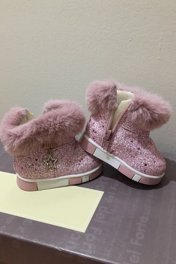 Baby boots  Size: 6-12 mos  0
