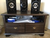 sony cd player with 2 speaker and remote running in very good condition sound system is good moving out sale San Diego, 92126