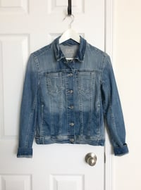 ZARA Women's denim jacket size sm- worn only a couple of times Mississauga, L5M 0H2