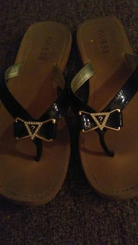 Ladies sz 7 GUESS sandals $10 Winnipeg, R3T 4G9