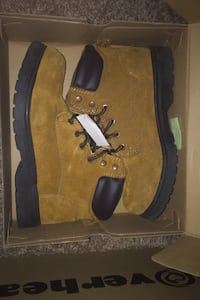 Work boots Size: 9