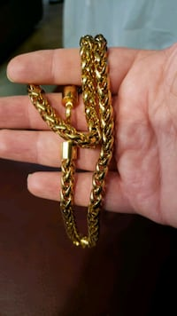 """24K GOLD FILLED CHAIN NECKLACES 10MM 28"""" NEW London, N6P 1P6"""