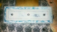 White distressed hanger with blue and black tones Jackson, 39204