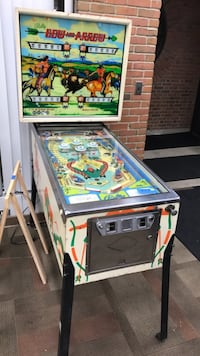 Vintage bally bow and arrow pinball machine Canal Winchester, 43110