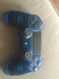 Blue PS4 controller  Mississauga, L5L