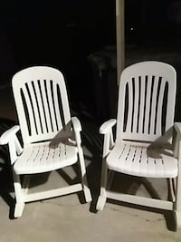 two white wooden windsor chairs 43 km
