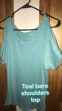 Teal off the shoulders blouse Las Cruces, 88005