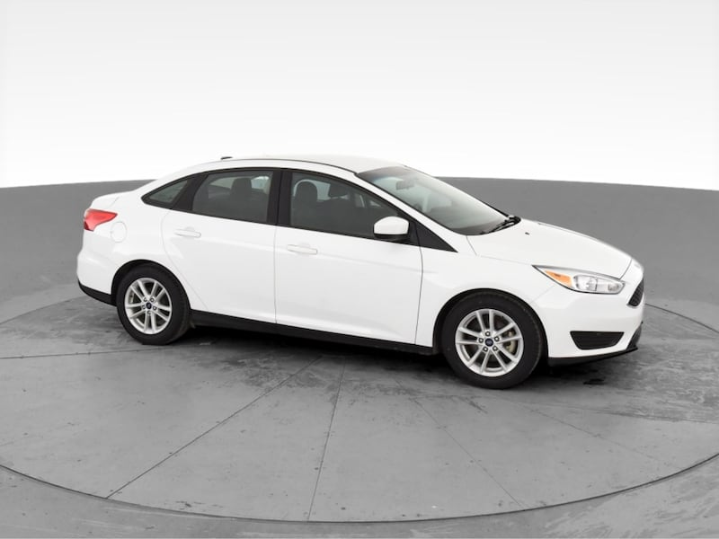 2018 Ford Focus sedan SE Sedan 4D White <br /> 2871e048-7bbf-40e1-9299-b9d2232216f3