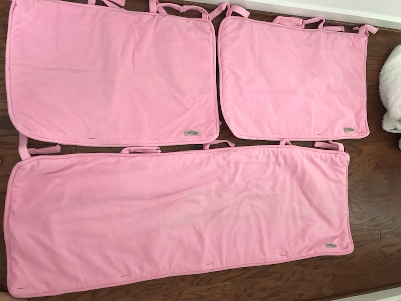 CRIB WRAP (bubble gum pink)$30.00  1