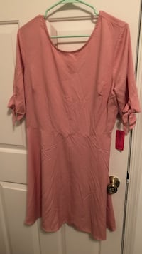 Dress size x large. Never worn Virginia Beach, 23455