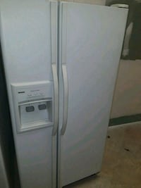 Whirlpool fridge side by side not ice only water  Port Richey, 34668