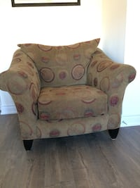 Large armchair. Brown and red Brampton, L6R