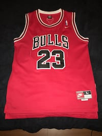 red and black Chicago Bulls 23 jersey Sacramento, 95842