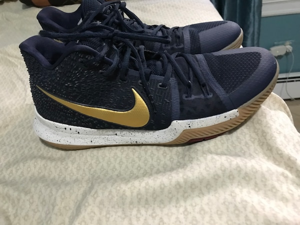 new styles 06f53 d572e Navy blue and gold Nike kyrie 3
