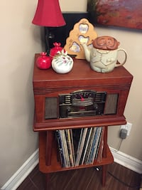 CROSLEY Multifunction Turntable & Manchester Hardwood Turntable Stand Richmond Hill, L4C 9S5