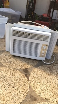white window type air conditioner Vancouver, 98662