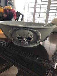 Skull punch bowl with ladle El Paso, 79938