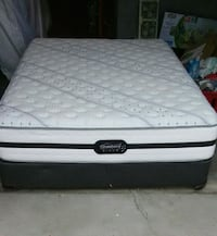 Simmon Beauty RestQueen Mattress And Box spring  Woodbridge, 22191