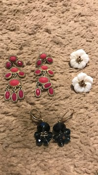 3 pairs of earrings Salem, 53168