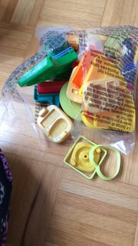 Playdoh set with all the accessories  Vaughan, L4H 3B6