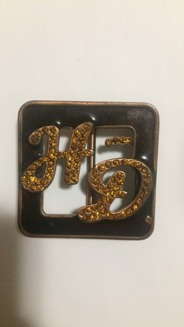 gold-colored HD cutout belt buckle