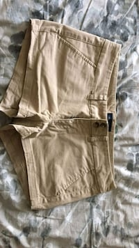American Eagle Beige Shorts Toronto, M9P 1A9