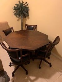 POKER TABLE/DINING ROOM TABLE COMBO 2 IN 1 WITH 4 CHAIRS $1200 OBO Englewood, 34293