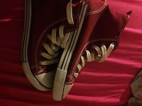 Paar rote Converse All Star High-top Sneakers