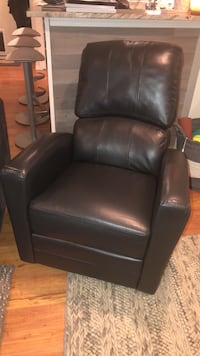 Black recliner and rocking chair