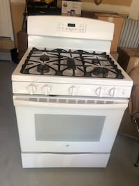 White Gas Stove MOVING AWAY SALE . Must Go By 6/6/2020 Haymarket, 20169
