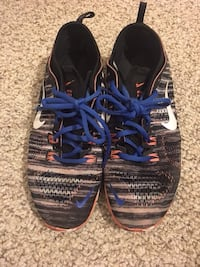 pair of blue-and-black running shoes Orlando, 32839