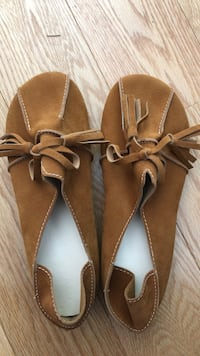 Brown suede moccasin type flats - size 35 Ann Arbor, 48103